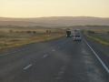 Abendliche Fahrt durch die Steppe gen Kirgistan