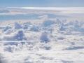 Heimflug über dem Wolkenmeer