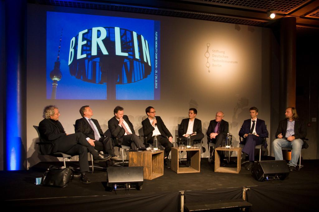 Abendveranstaltung mit hochrangigen Diskussionsgästen im Technikmuseum Berlin