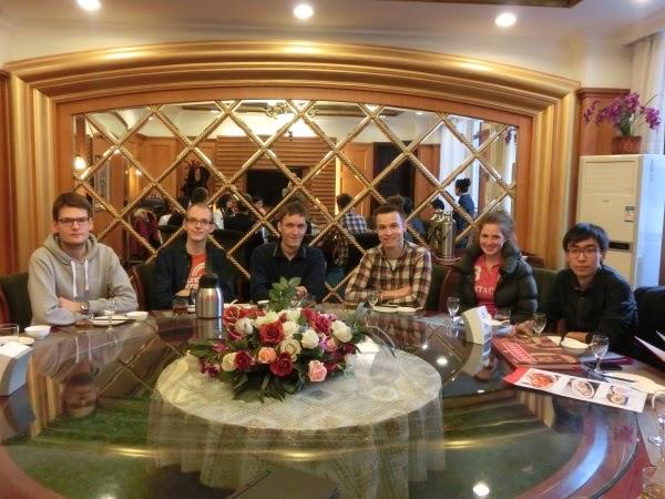Wir wurden auf eine Pekingente und noch vieles mehr eingeladen.