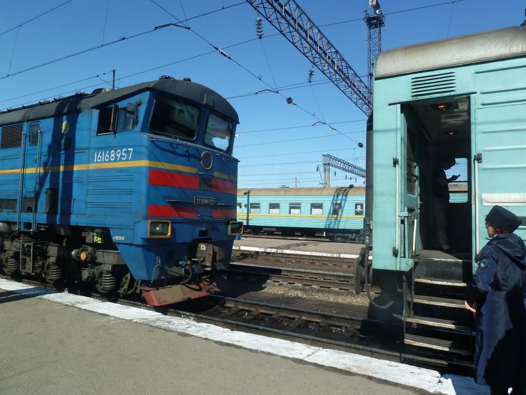 Lokwechsel auf der Fahrt nach Samara