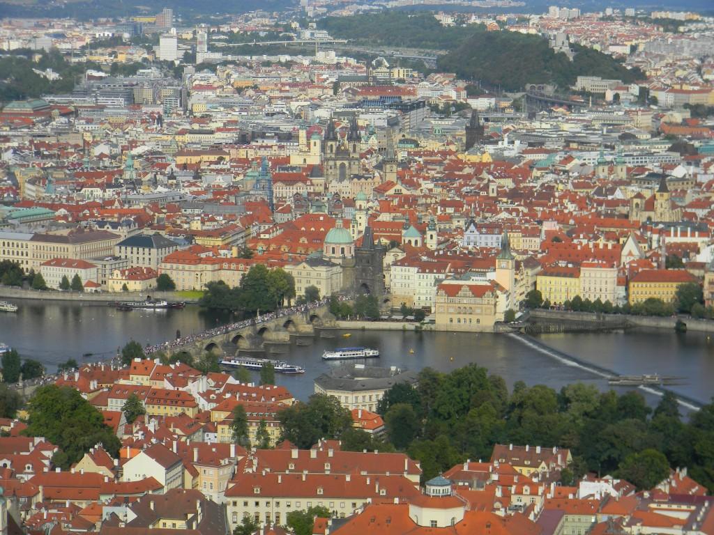 Prag vom Petřín aus gesehen