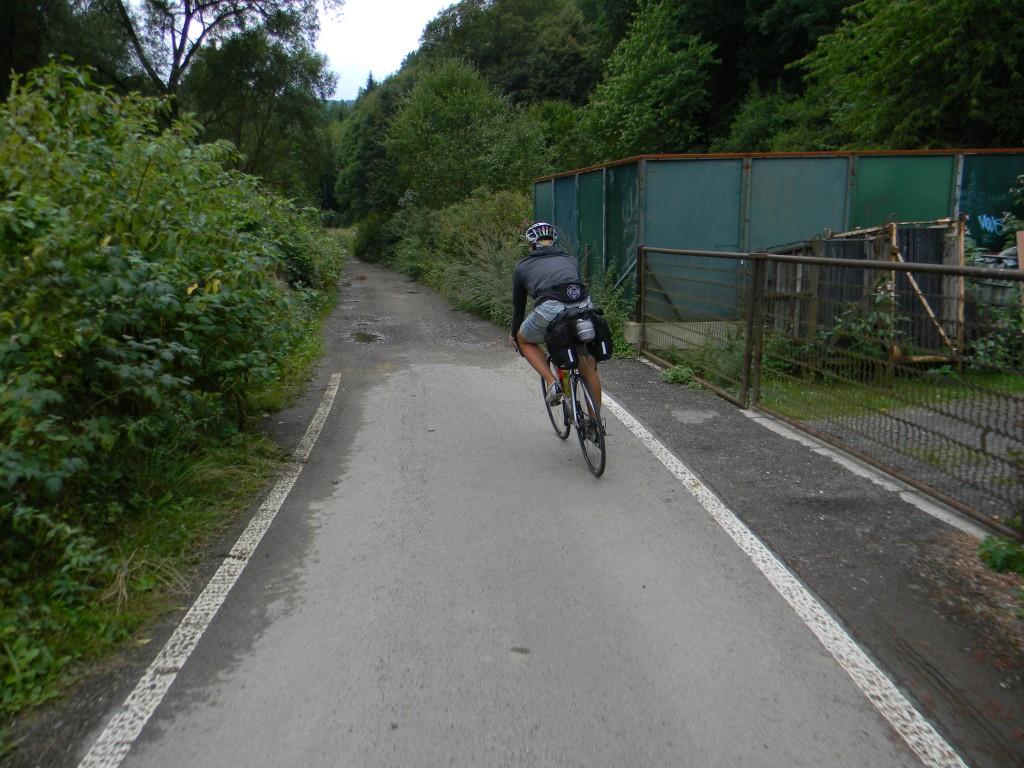 Der Zustand der Radwege variierte sehr, wie hier gut zu erkennen ist