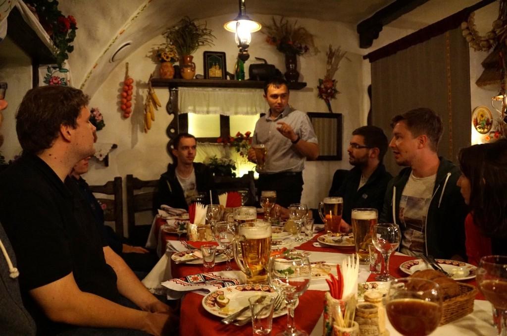 Mittagessen im ukrainischen Restaurant auf Einladung der OmGUPS