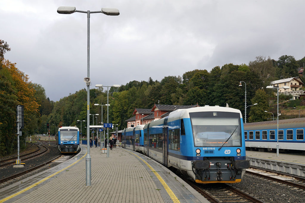 Zugkreuzung in Tanvald