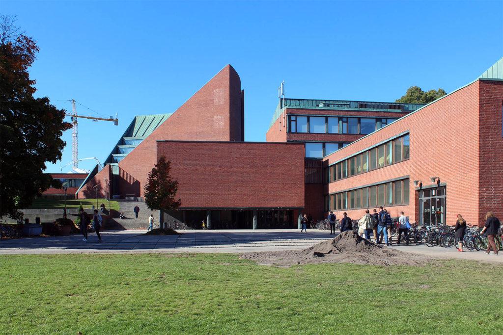 Hauptgebäude der Universität Espoo