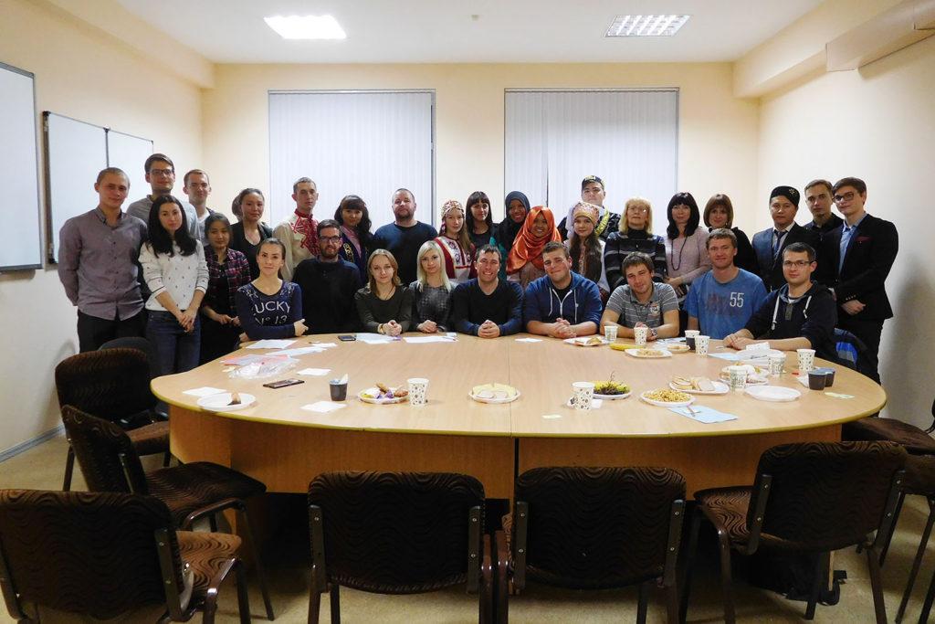 """Treffen mit russischen Studenten im Klub """"Meridian"""""""